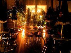 夜のカフェ【布生地の通信販売a-priori(アプリオリ)】